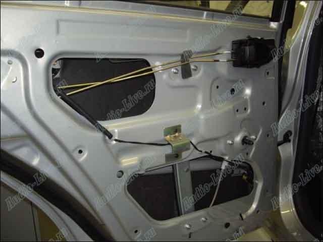 """""""Обработка внутренней поверхности двери Chevrolet Lanos.  Второй слой."""